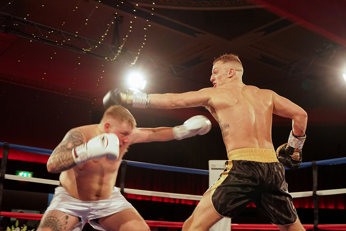 Charity-boxing-match-raises-2000-for-local-causes-2
