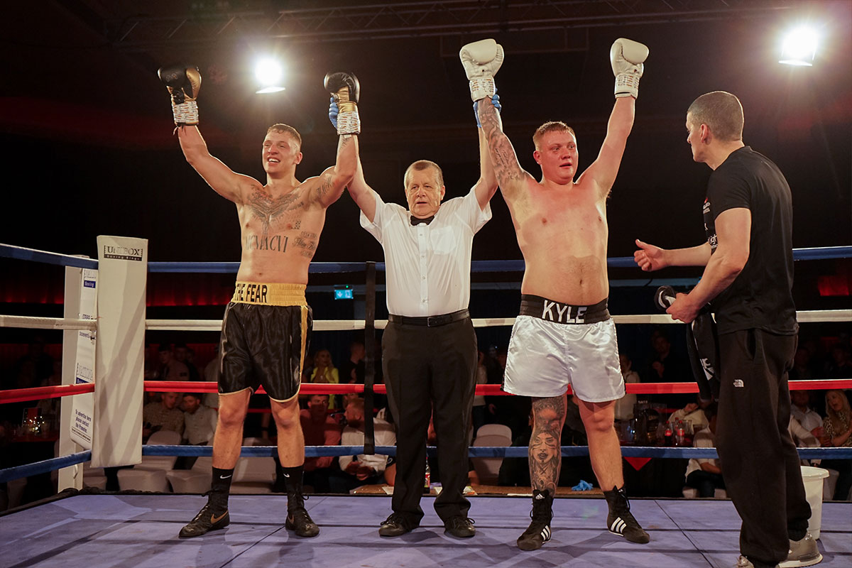 Charity-boxing-match-raises-2000-for-local-causes-3