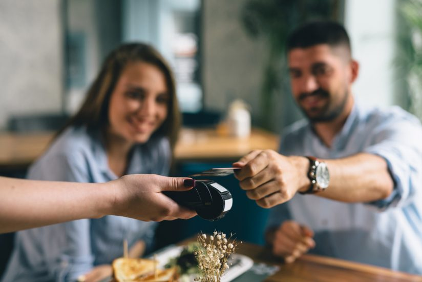 Improve-your-customer-experience-with-contactless-payments